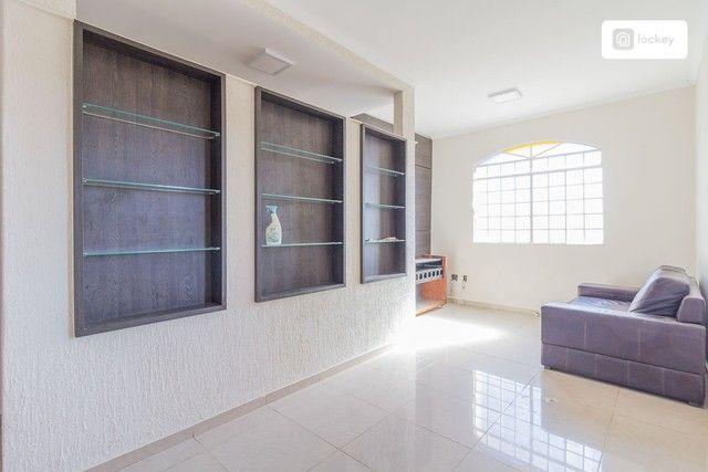 Casa com 320m² e 3 quartos