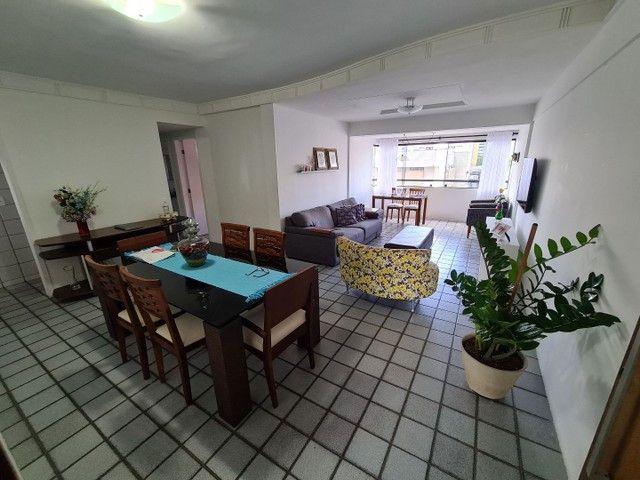 Vendo/Troco apartamento 4 quartos, 1 suíte + dependência com 132m2 em Boa Viagem  - Foto 6