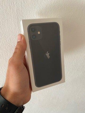 IPhone 11 64 GB Preto  - Foto 2