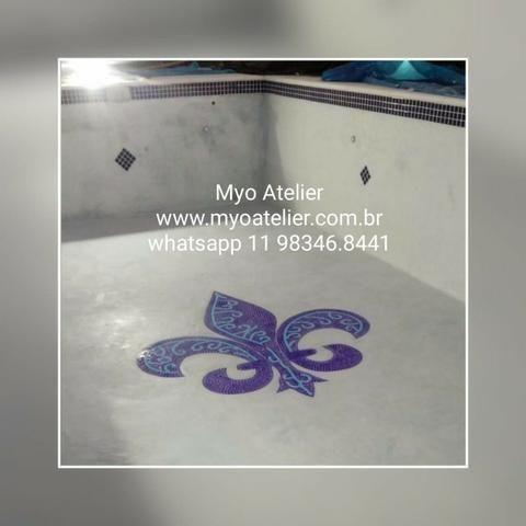 Mosaico Piscina, flor de lis, mandala