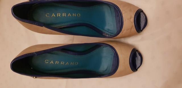 Peep toe Carrano Bege com detalhes em azul 36