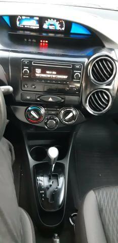 Toyota Etios X Plus 1.5 sedan - Foto 17