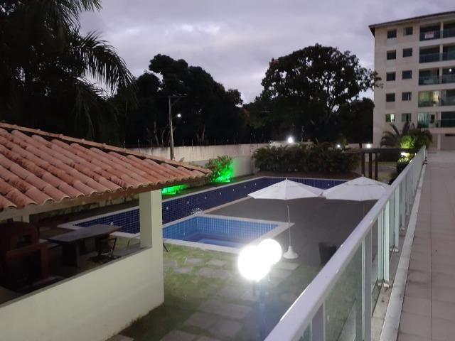 Alugo apartamento de 2 quartos na estrada do coco em frente ao Shopping Busca Vida - Foto 14