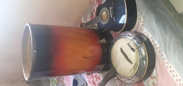 Banjo cavaco eletricos e tambor - Foto 3