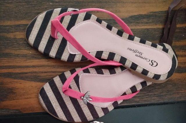 Lote de sandálias
