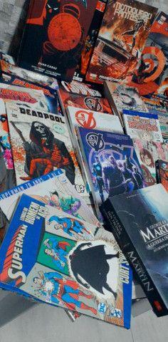 Lote Hqs, mangas e livros - Foto 6