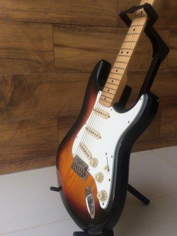 Guitarra Fender 70?s Stratocaste reedição  com upgrades - Foto 2