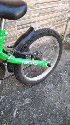 Bicicleta infantil semi Nova - Foto 3