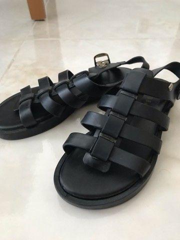 sandália unissex
