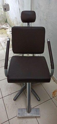 Cadeira barbeiro  - Foto 2