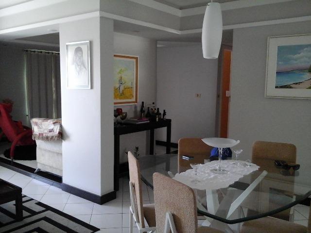 Apartamento no Jardins, reformado, 3 quartos, varanda, DCE