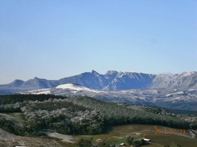 Pense num lugar bonito, sitio 5 hectares a 1000 m de altitude