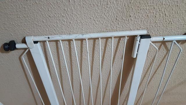 Grade de proteção de porta