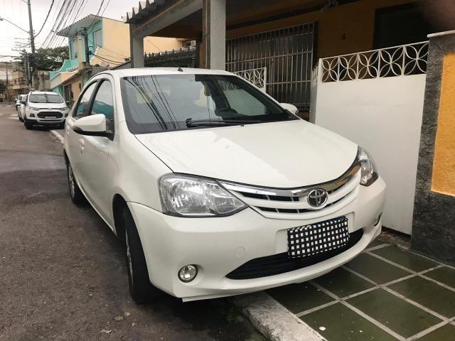 Toyota Etios XLS Sedan 1.5 2015