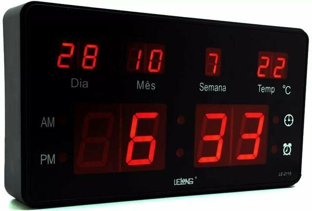 Relógio de Parede LED Digital Temperatura Grande - Foto 4