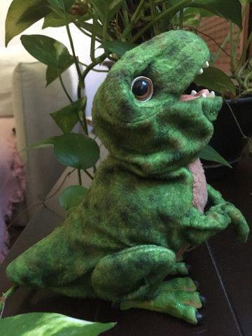 FurReal HASBRO dinossauro