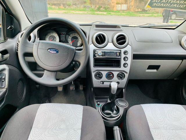 Ford Fiesta 1.6 Sedan  - Foto 6
