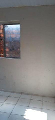 Alugo quarto com banheiro no Maiobão - Foto 6