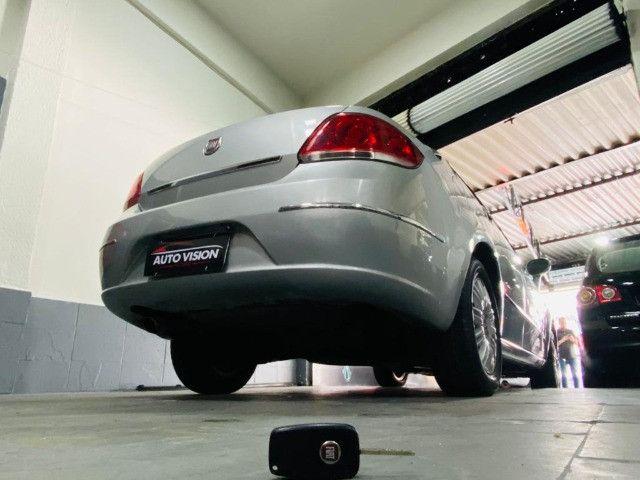 Fiat Linea Essence 1.8 2012 - Foto 8
