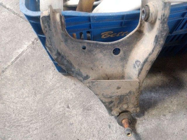 Balança da  Renault Duster 2012 / 14, com pivô. - Foto 2