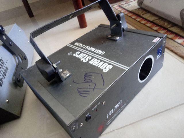 Moving laser vermelho som luz DJ