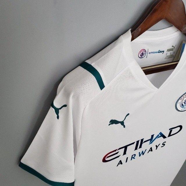 Camisa Manchester City 21/22  Torcedor Puma Masculina - Branco+Azul - Foto 3