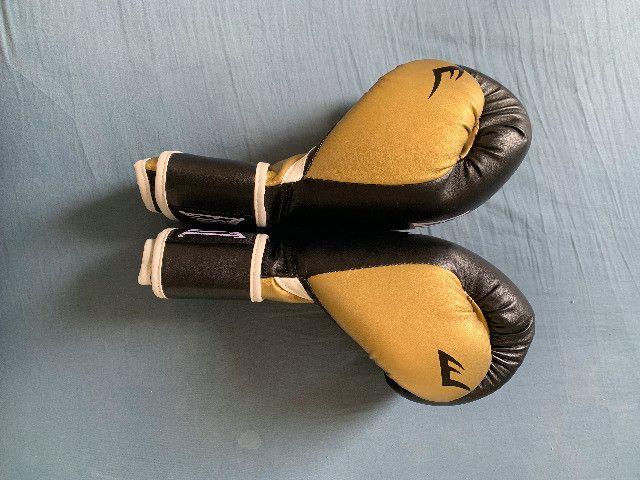 Luvas De Treino Pro Style Everlast Preto / Dourado 16 Oz - Foto 3