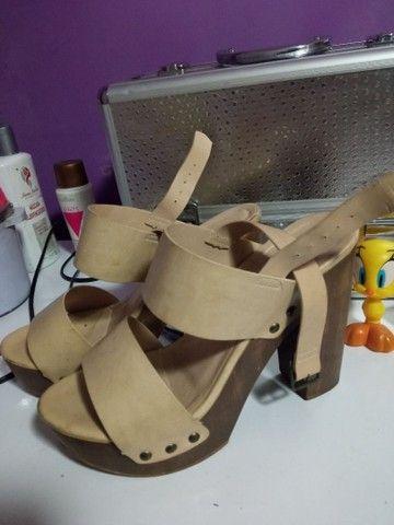 Sandália semi nova - Foto 2