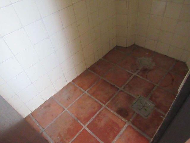 RM Imóveis vende apartamento 3 quartos com dois banhos no coração do Caiçara! - Foto 16