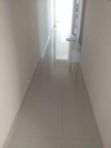 Procuro ,uma pessoa pra dividir aluguel ,em residência, casa nova bem localizada  - Foto 5