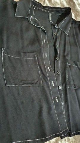 Blusa estilo camisa curta - Foto 2