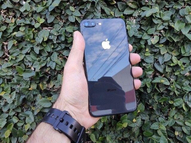 iPhone 8 plus 64gb - bateria 100% - Impecável - Foto 2