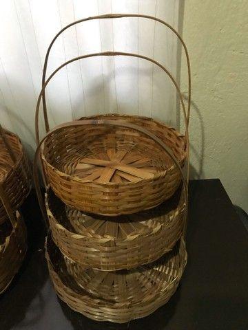 Cestas de bambu e balaoes para revenda