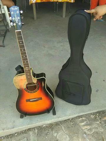 Guitarra eletrocustica Fender