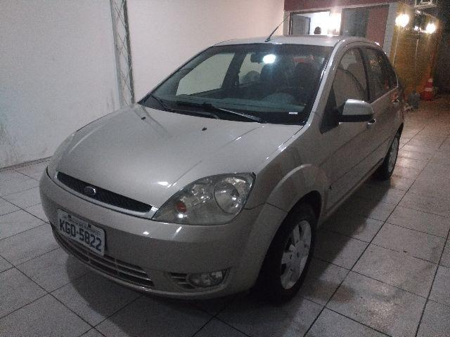 Fiesta Sedan 1.6 2005 Completo Financiamos
