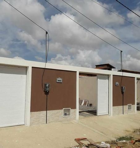 Casa Plana, 5m x 33m em Maracanaú na R$ 150.000,00