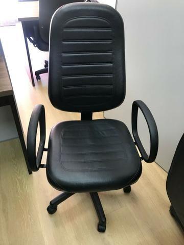 Cadeira Presidente Gomada