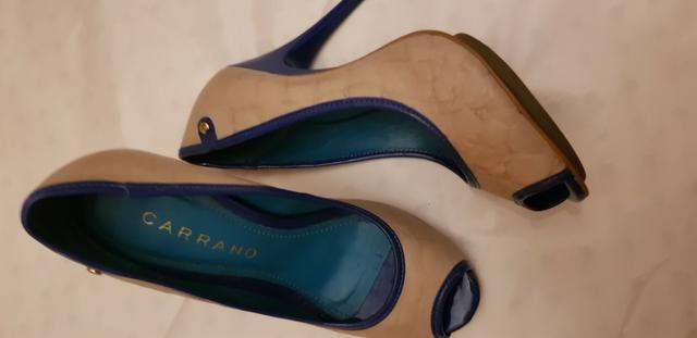 Peep toe Carrano Bege com detalhes em azul 36 - Foto 2