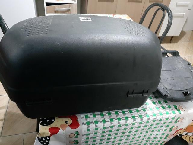 Vendo baú de moto protork com o suporte da cb300 semi novo - Foto 3