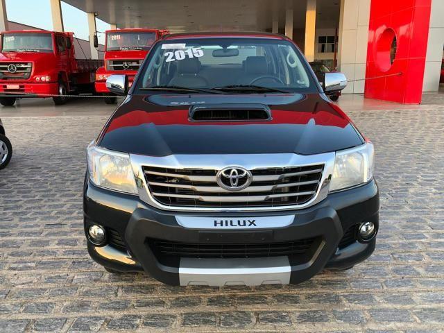 Toyota hilux srv ano 2015 top - Foto 2