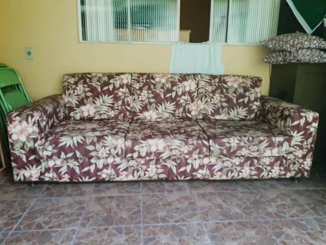 Sofá parma de 3 lugares semi novo com tecido impermeável - Foto 4