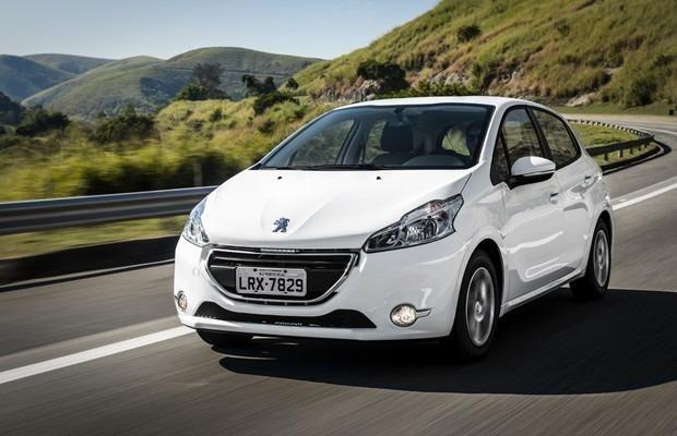 Sucata Peugeot 208 1.5 e 1.6 automatico 2012 a 2017