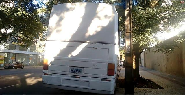 Ônibus Vendo ou Troco Por Carro R$ 25.000,00 - Foto 4