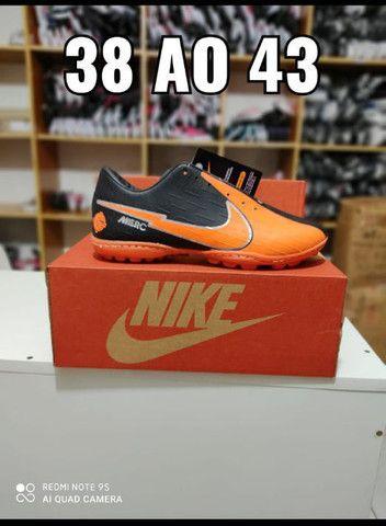 Chuteira Nike Preto Com Laranja