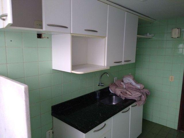 Apartamento 2 quartos, montado em armários, prox a praça universitária, financia - Foto 6