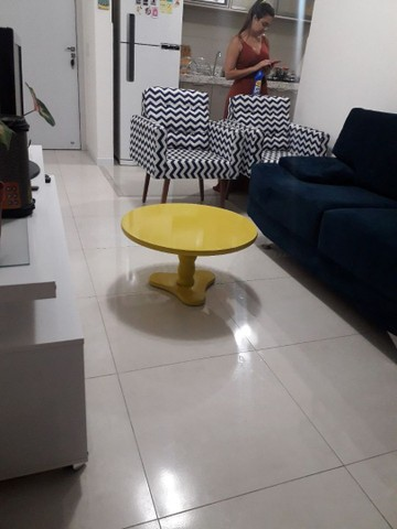 Mesa de centro amarela  - Foto 2