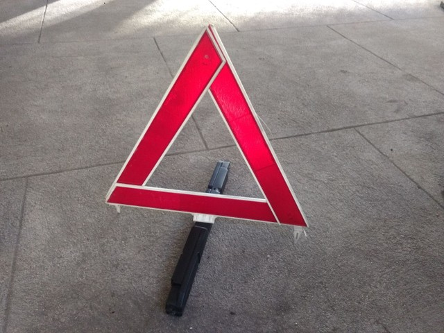 Triângulos para veículos. Diversos modelos