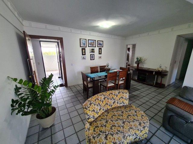 Vendo/Troco apartamento 4 quartos, 1 suíte + dependência com 132m2 em Boa Viagem  - Foto 7