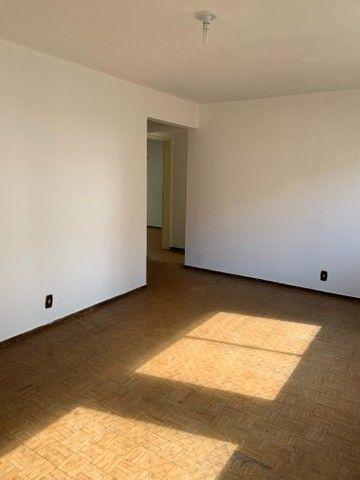 Apartamento de dois quartos, Super Bem Localizado, a dez minutos do centro de Goiânia - Foto 4