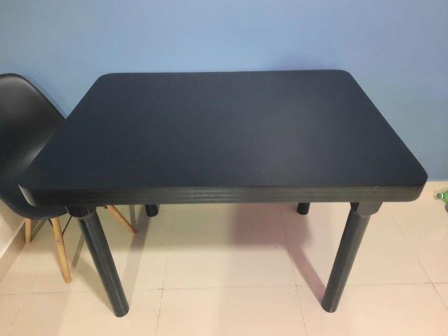 Mesa em madeira. - Foto 2